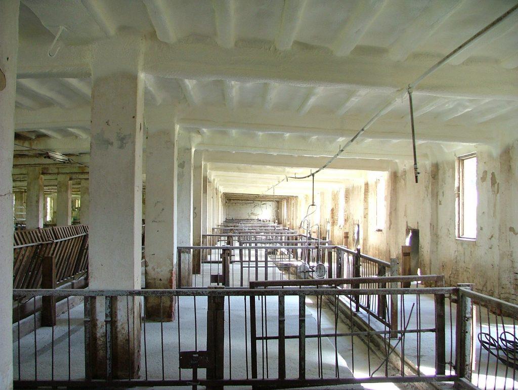 Szórt purhab szigetelés állattartó épületekben