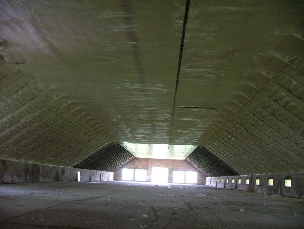 Teljes tető szigetelése purhabbal